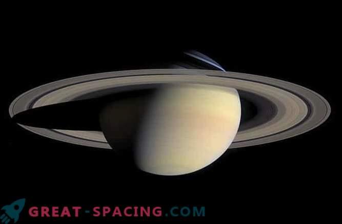 Касини е открил зловещо тънките пръстени на Сатурн