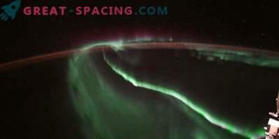 Снимки на космоса: Орбитален изглед на сиянието