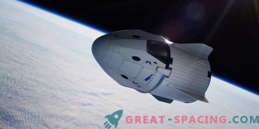 SpaceX показва ръкава за достъп на екипажа до екипажа на Dragon