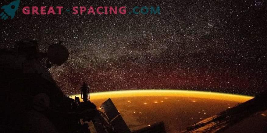 Нощна гледка на Земята от МКС