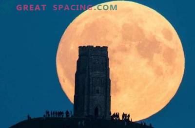 Следващата супер луна ще бъде най-голямата от 1948 г.