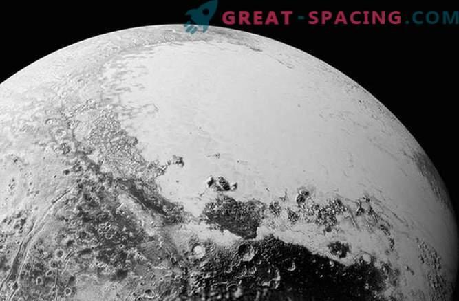 Красив сложен свят на Плутон в новите снимки