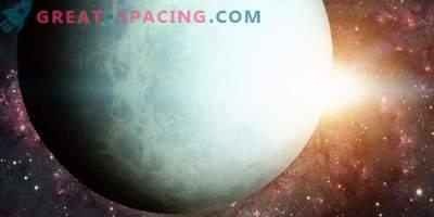 Влиянието на Слънцето върху промяната на яркостта на Уран