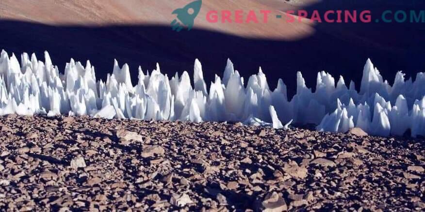 Европейските ледени шипове пречат ли на кацането на космически кораб?