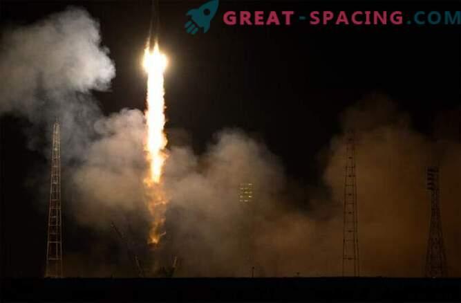 Пристигането на екипажа на МКС се забавя поради проблеми със Союза