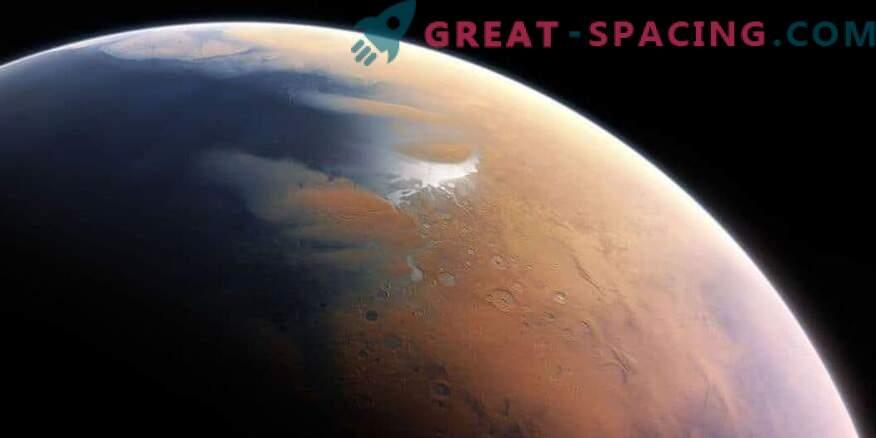 Ранният Марс показва топла пустиня с периодични дъждове.